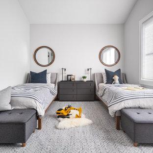 Свежая идея для дизайна: детская среднего размера в стиле современная классика с спальным местом, белыми стенами, светлым паркетным полом, коричневым полом и сводчатым потолком для ребенка от 1 до 3 лет, мальчика - отличное фото интерьера
