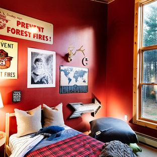 Modelo de dormitorio infantil rural, grande, con paredes rojas, suelo de bambú y suelo marrón
