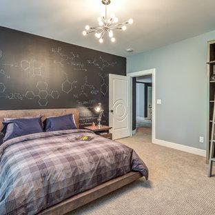 Neutrales, Großes Uriges Jugendzimmer mit Schlafplatz, grauer Wandfarbe, Teppichboden und beigem Boden in Cincinnati