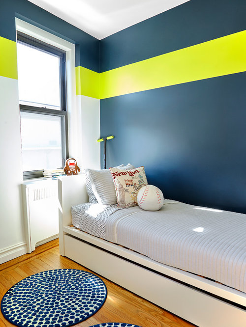 Small contemporary boy medium tone wood floor kids  bedroom idea in New  York with multicolored. Small Boys Bedroom Ideas   Houzz