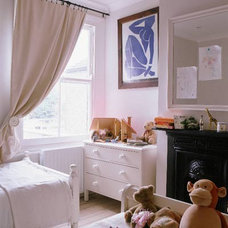 Traditional Kids idealhomemag- all-white-kids-room