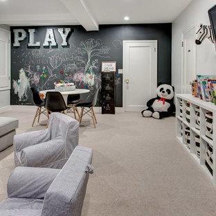 Réalisation d'une chambre d'enfant de 4 à 10 ans tradition avec un mur noir, moquette et un sol gris.