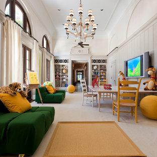 Diseño de dormitorio infantil de 4 a 10 años, clásico, grande, con paredes blancas y moqueta