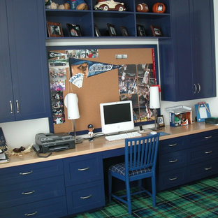 Example of a classic boy carpeted kids' room design in New York