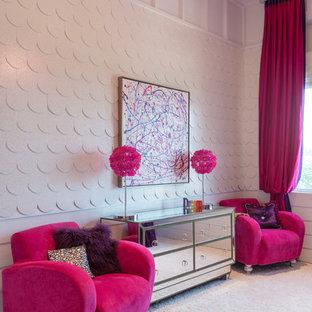Réalisation d'une chambre d'enfant de 4 à 10 ans design de taille moyenne avec un mur blanc, moquette et un sol blanc.
