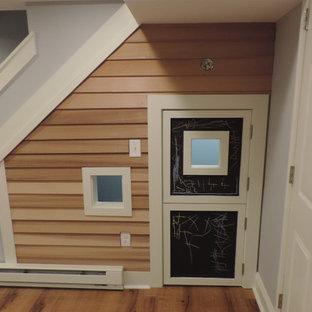 Inspiration pour une petite chambre d'enfant de 4 à 10 ans avec un mur gris et un sol en vinyl.