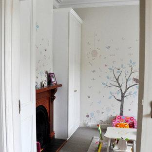 Неиссякаемый источник вдохновения для домашнего уюта: детская среднего размера в викторианском стиле с спальным местом для ребенка от 4 до 10 лет, девочки