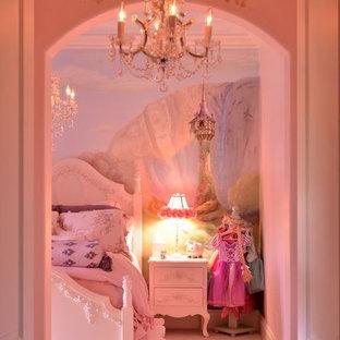 Idées déco pour une grande chambre d'enfant de 4 à 10 ans classique avec un mur multicolore et moquette.