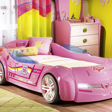 Kids car bedroom for girls - Pretty in Pink