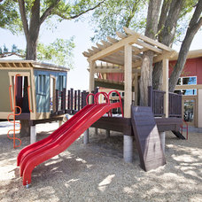 Contemporary Kids by THINK architecture Inc.