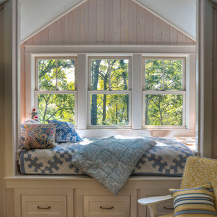 Inspiration for a rustic girl kids' bedroom remodel in Minneapolis