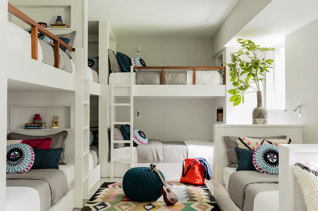 Beach Style Kids by Renovation Planning & Interiors