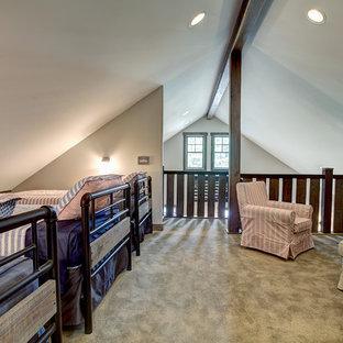 Idee per una cameretta per bambini american style di medie dimensioni con pareti beige e moquette