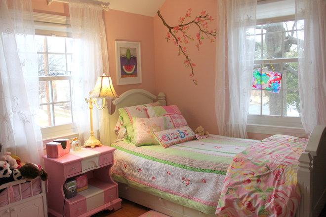 Traditional Kids Little Girl's Room