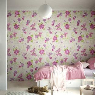 Imagen de dormitorio infantil de 4 a 10 años, minimalista, pequeño, con paredes blancas y suelo de baldosas de cerámica