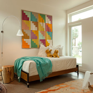 Kids' bedroom - transitional girl kids' bedroom idea in Los Angeles with white walls