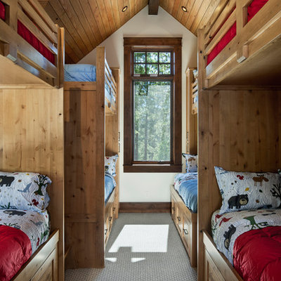Kids' bedroom - mid-sized rustic gender-neutral carpeted and gray floor kids' bedroom idea in Sacramento with beige walls