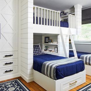 Свежая идея для дизайна: детская среднего размера в стиле современная классика с спальным местом, синими стенами, деревянным полом, синим полом и стенами из вагонки для подростка, мальчика - отличное фото интерьера