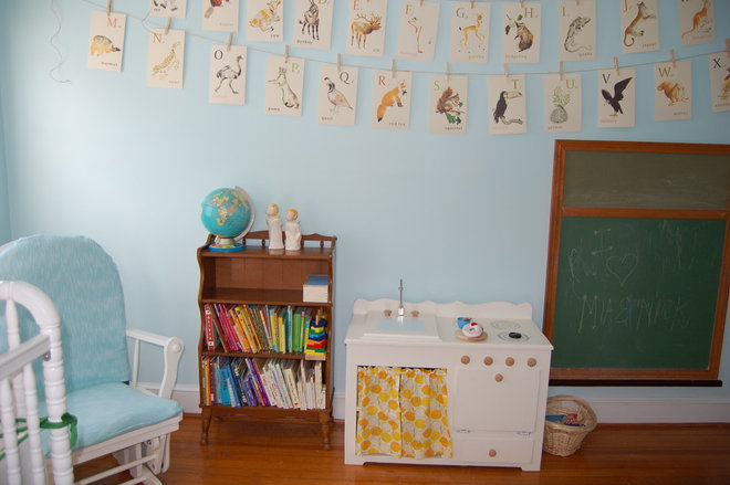 Traditional Kids Mia and Nick's Shared Nursery