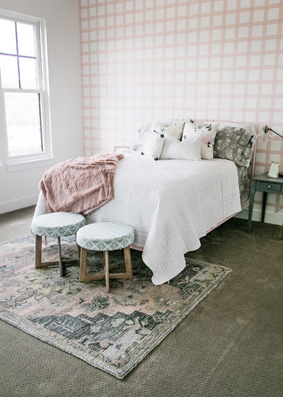 Sita Montgomery Interiors: Houzz Tour: Black, White And Wood In A New Modern Farmhouse