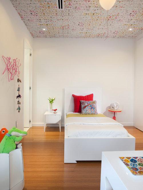 White Wallpaper Bedroom