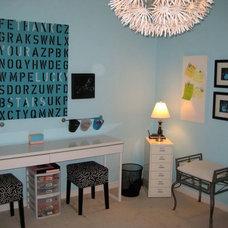 Modern Kids Kids' craft/play room