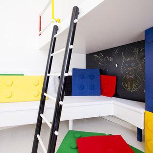 Idee per una cameretta per bambini moderna con pareti bianche