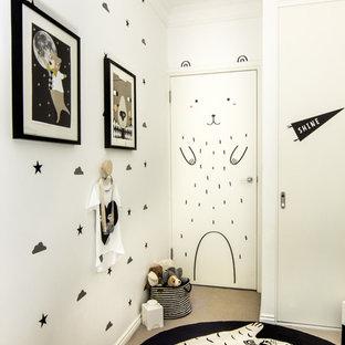 Diseño de dormitorio infantil de 4 a 10 años, moderno, pequeño, con paredes blancas y moqueta