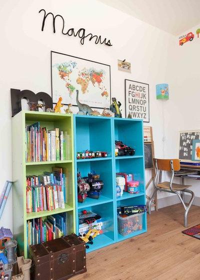 Modern Kinderzimmer by Hege in France