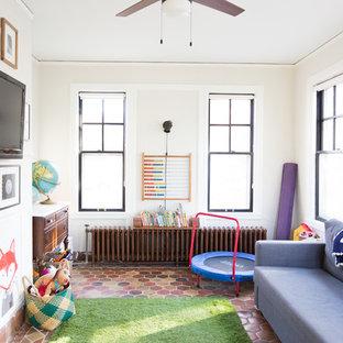 Exemple d'une chambre d'enfant nature de taille moyenne avec un sol en carrelage de céramique et un sol multicolore.