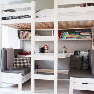 アムステルダムの男の子用北欧スタイルの寝室の画像
