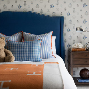 Design ideas for a traditional kids' bedroom for kids 4-10 years old and boys in Gold Coast - Tweed with white walls, carpet and beige floor.