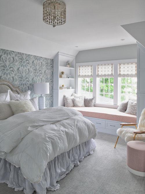 Mittelgroßes Shabby Style Jugendzimmer Mit Schlafplatz, Bunten Wänden,  Teppichboden Und Grauem Boden In