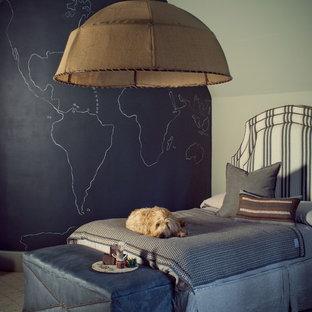 Modelo de dormitorio infantil clásico renovado con moqueta