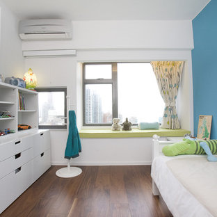Photo of a contemporary kids' room for boys in Hong Kong with white walls.