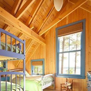 Idee per una cameretta per bambini da 4 a 10 anni stile rurale con pavimento beige