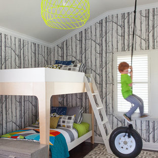 На фото: детские в стиле современная классика с спальным местом и темным паркетным полом для ребенка от 4 до 10 лет, мальчика