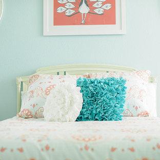 Idée de décoration pour une chambre d'enfant style shabby chic.