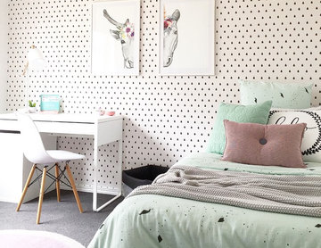 Pink and Mint Girls Bedroom Featuring Raindrop Wallpaper