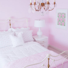 Traditional Kids Pink Girl's Bedroom