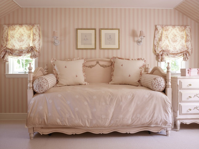 Traditional Kids by Kathleen Walsh Interiors, LLC
