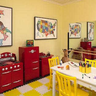 Идея дизайна: детская с игровой среднего размера в стиле современная классика с желтыми стенами и темным паркетным полом для ребенка от 1 до 3 лет, девочки
