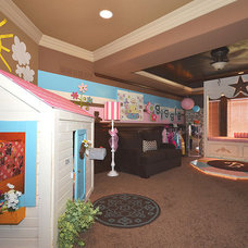 Traditional Kids by Surface to Surface Interior Design/Construction