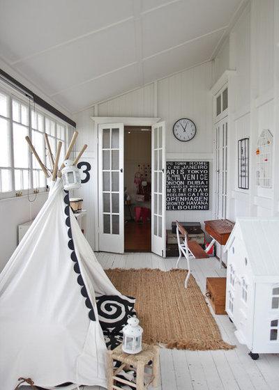 Skandinavisch Kinderzimmer by Walk Among The Homes