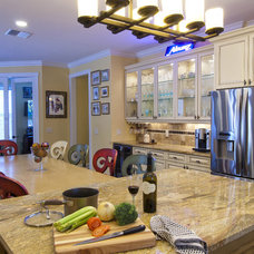 Traditional Kids by Ramos Design Build Corporation - Tampa