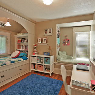 Example of an arts and crafts kids' room design in Portland