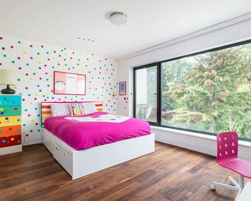 Chambre de fille moderne avec un mur multicolore : Photos et idées ...