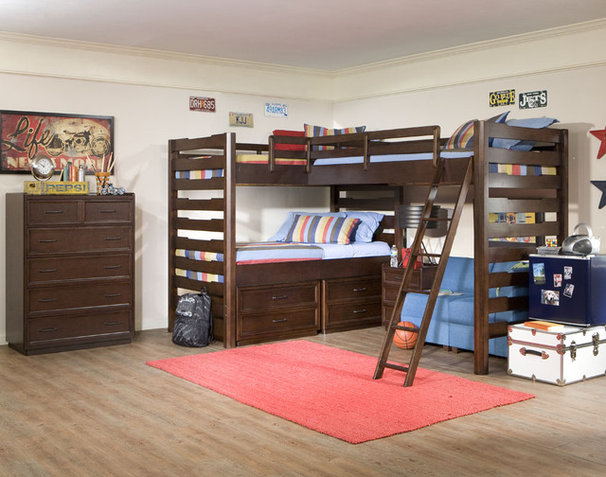 Traditional Kids Room for Three