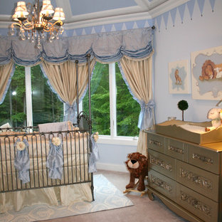 Inspiration for a timeless kids' room remodel in New York