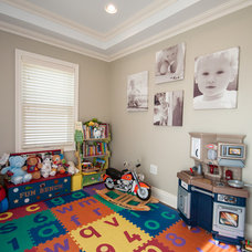 Traditional Kids by MZ Interior Design